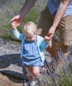 como enseñar a andar a un niño