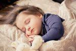como hacer que mi hijo duerma solo